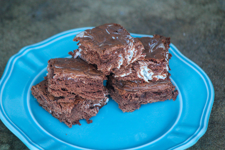 Hot Chocolate Brownies with Marshmallow