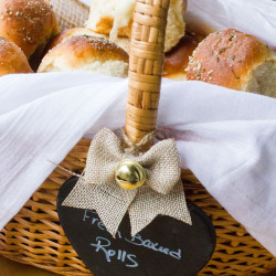Garlic-and-Herb-Buttermilk-Dinner-Rolls-3