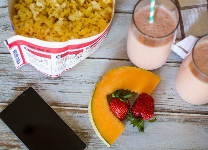 Strawberry-Cantaloupe-Smoothie-4