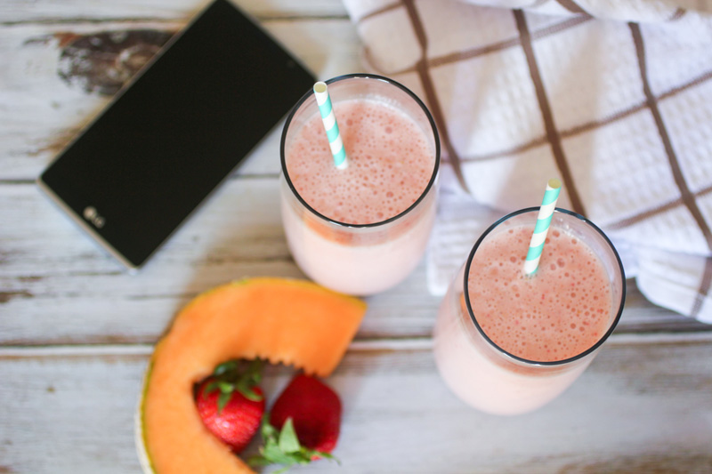 Strawberry Cantaloupe Smoothies