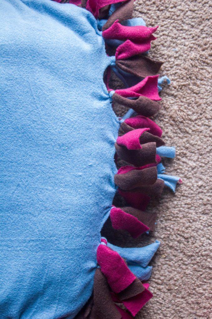DIY No-Sew Pet Bed with Purina Dog Chow Natural #MyPetMyStar