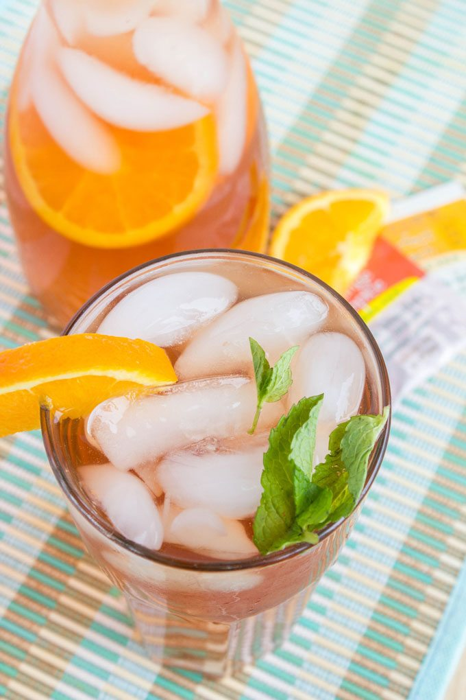 Making-Bigelow-Iced-Tea-4