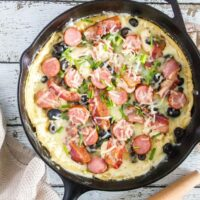Loaded Skillet White Pesto Pizza