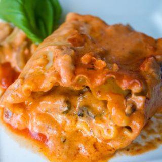 Deluxe Imos Pizza Lasagna Rolls