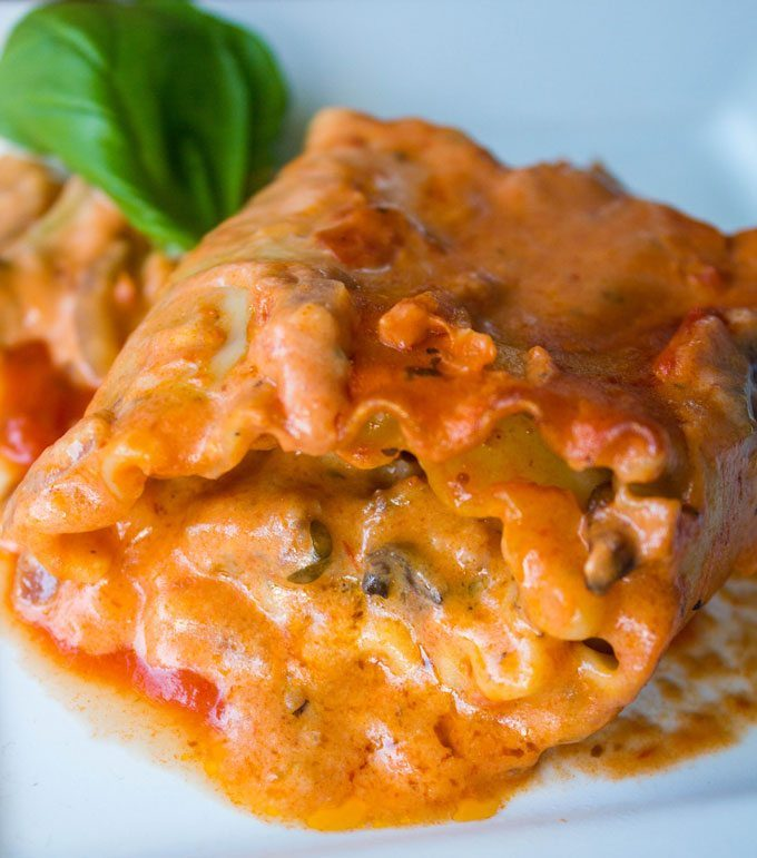 Deluxe Imo's Pizza Lasagna Rolls #SundaySupper