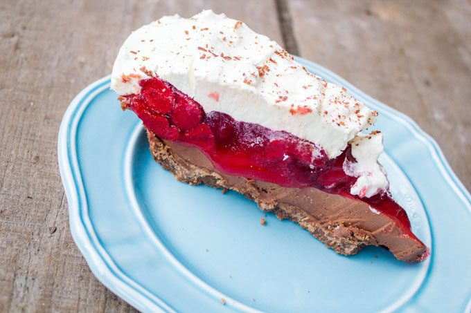 No Bake Strawberry Nutella Cream Cheese Pie