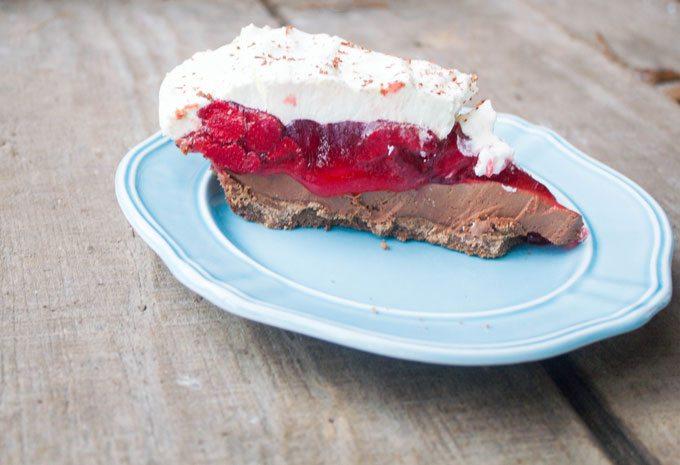 No Bake Strawberry Nutella Cream Cheese Pie