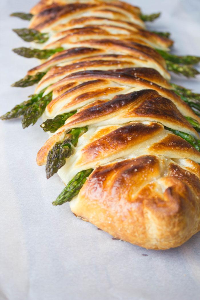 Asparagus Ham and Swiss Danish Braid #SundaySupper