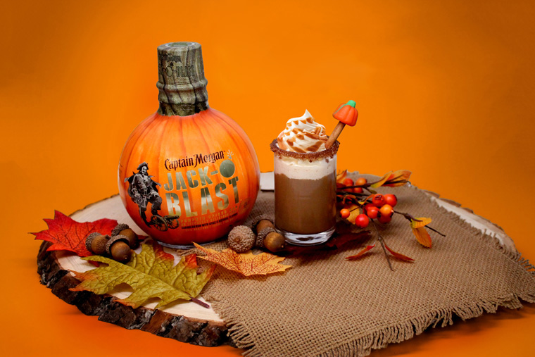 Pumpkin Spiced Shotte Fall Drink Scene