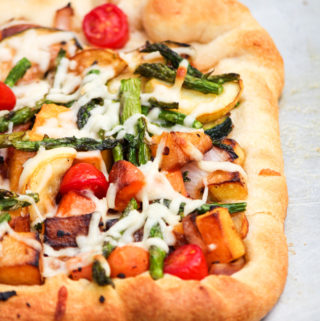 Garden Vegetable Alfredo Pizza | National Pizza Day