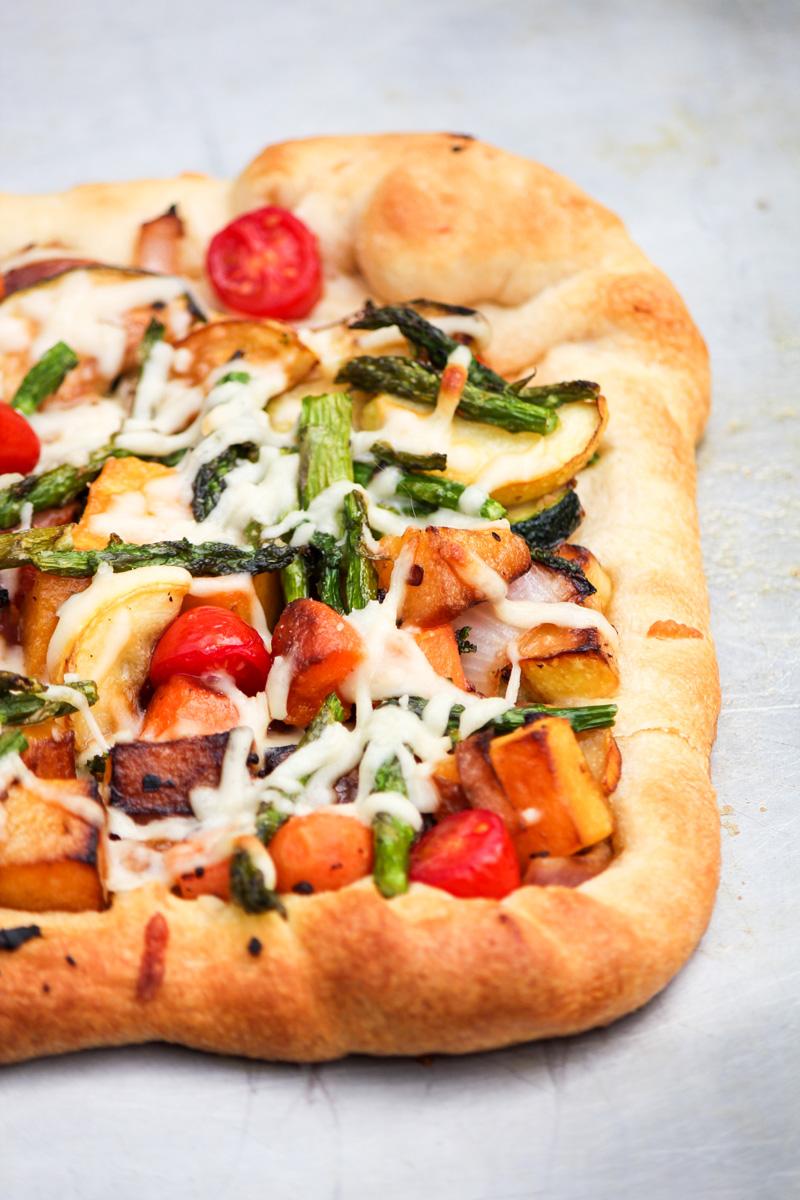 Garden Vegetable Alfredo Pizza