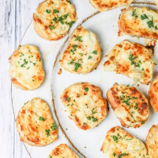 Cheesy Artichoke Bruschetta
