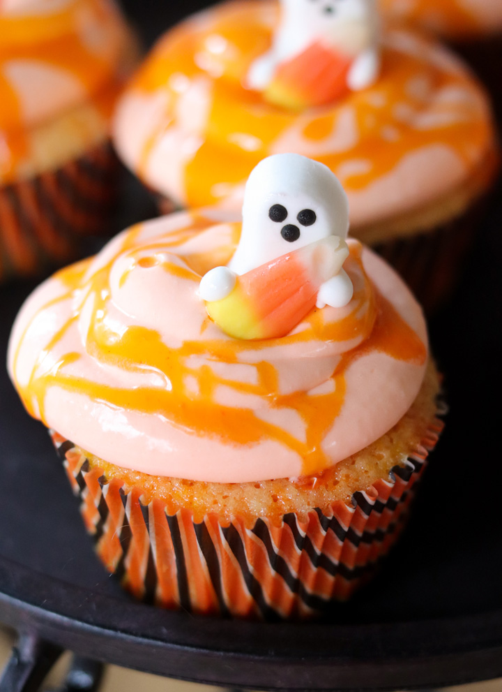 Candy Corn Cupcakes with Real Candy Corn Frosting #HalloweenTreatsWeek