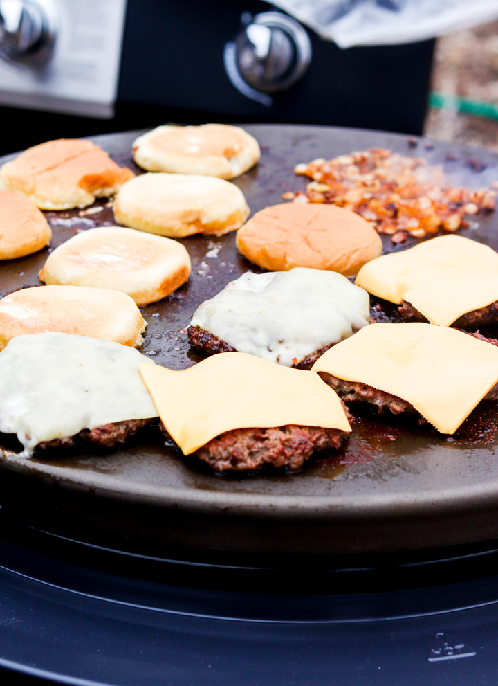 Juicy Griddle Ranch Cheeseburgers