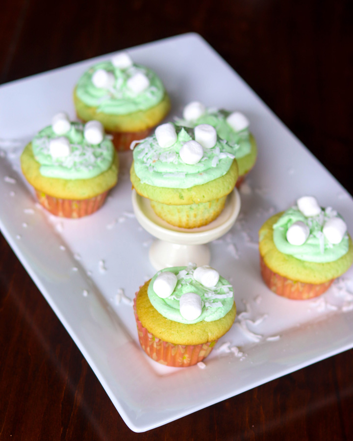 Easy Pistachio Cupcakes with Pistachio Frosting