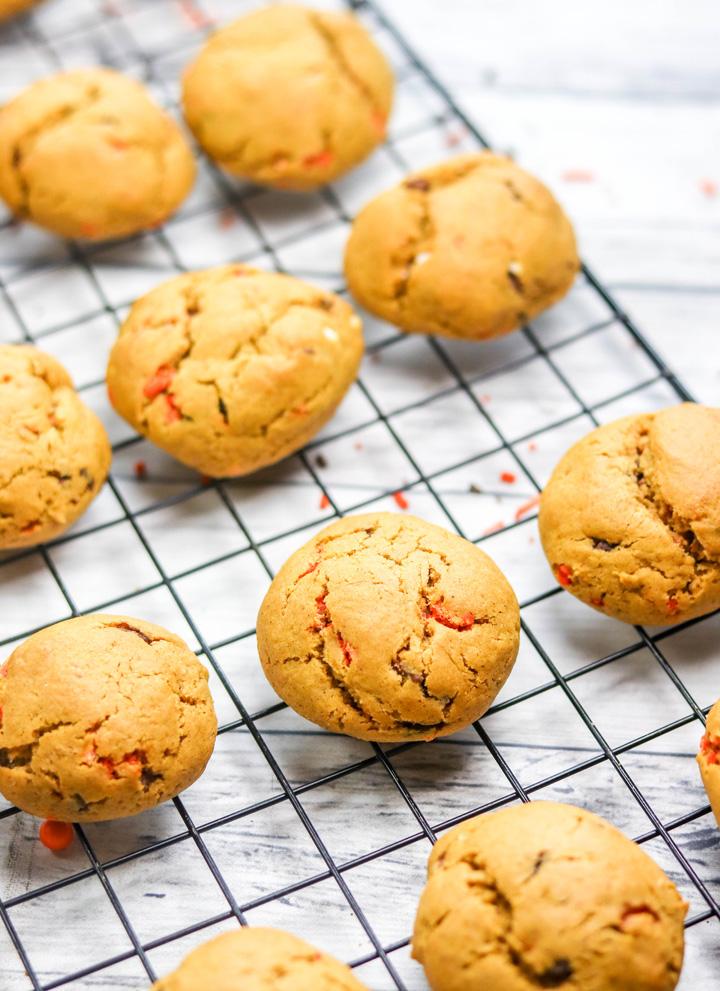 Pumpkin Sprinkle Cookies