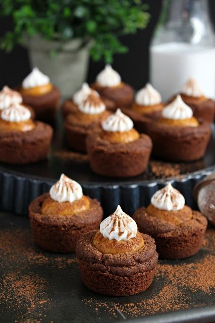 Chocolate Pumpkin Pie Cookie Cups
