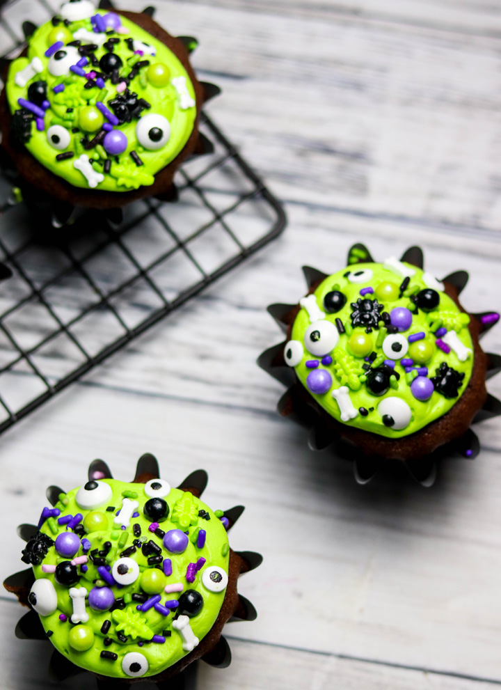 Black Cauldron Halloween Cupcakes