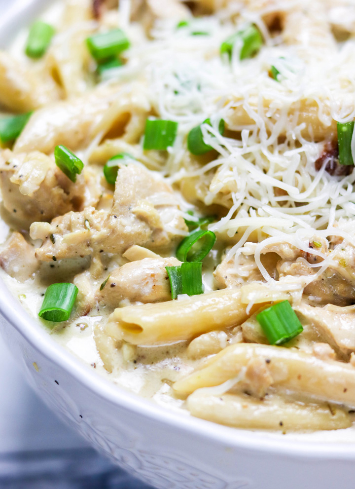 Instant Pot Creamy Garlic Chicken Pasta